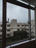 磨かれた窓ガラス